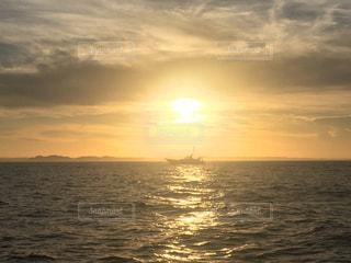 海,夕日,船,シルエット,オレンジ,釣り,霞