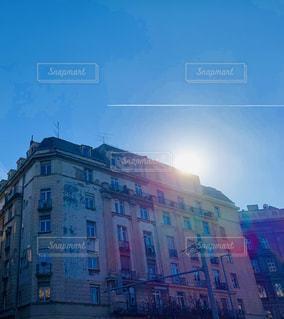 空,建物,屋外,海外,太陽,日差し,光,都会,旅行,旅,高層ビル,通り,ハンガリー,ブダペスト,日中,アストリア