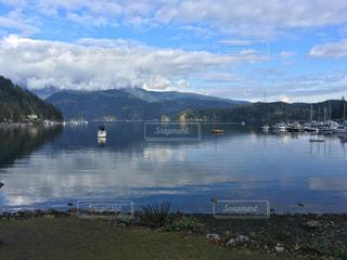 湖の写真・画像素材[1216998]