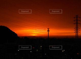 夕暮れ時の都市の景色の写真・画像素材[1268806]