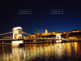 ブダとペストをつなぐ橋の写真・画像素材[1224234]