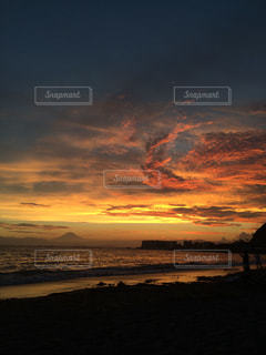 自然,風景,海,空,夕日,富士山,屋外,太陽,ビーチ,雲,夕暮れ,海岸,オレンジ,夕陽,葉山,一色海岸