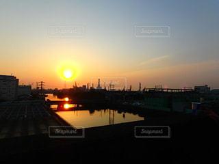 風景,空,夕日,屋外,太陽,雲,夕暮れ,オレンジ,夕陽,川崎,工業地帯