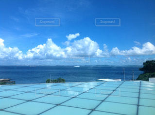 横須賀美術館 青空と海の写真・画像素材[1323046]