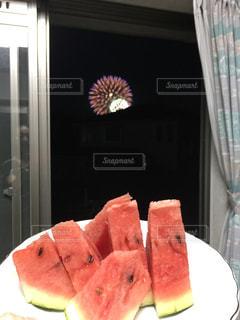 夏,赤,スイカ,花火,フルーツ,果物,果実,美味しい,食材,大好物,西瓜