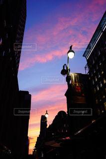 空,建物,夕日,ニューヨーク,ビル,ピンク,太陽,夕焼け,夕方,アメリカ,シルエット,街,都会,旅行,NY,summer,street,フォトジェニック,インスタ映え
