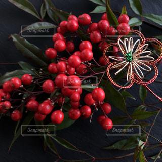 様々 な新鮮な果物や野菜の展示の写真・画像素材[1764112]