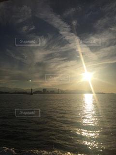 海,空,夕日,屋外,船,水面,海岸,夕陽,博多湾,能古島,海の中道