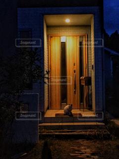 建物は夜ライトアップの写真・画像素材[1258264]