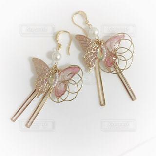アクセサリー,屋内,ピンク,ピアス,ハンドメイド,蝶々,蝶,テーブルの上,装飾的