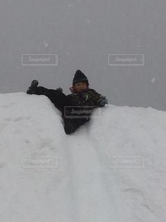 雪山でポーズ!の写真・画像素材[1723389]