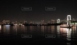 水面も都会の写真・画像素材[1237469]