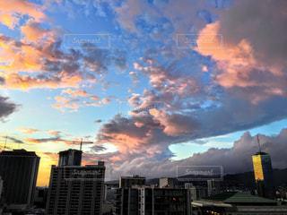 空,建物,夜,屋外,雲,夕暮れ,都会,高層ビル,ハワイ