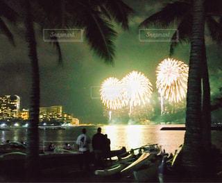 ホノルルフェスティバルの花火の写真・画像素材[1330358]