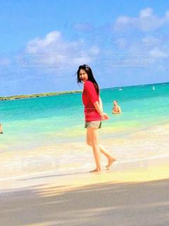 ビーチと空のキレイな水色の写真・画像素材[1357108]