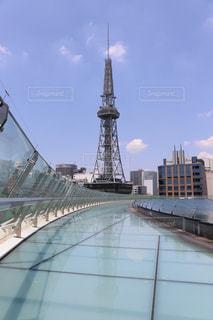 水の宇宙船とテレビ塔の写真・画像素材[1255904]