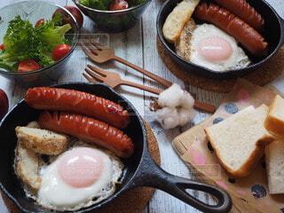 食べ物,おうちごはん,朝食,朝ごはん,スキレット,モーニング,おうちカフェ,ソーセージ,贅沢