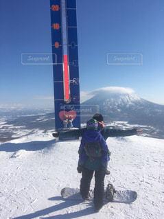 雪,晴れ,雪山,北海道,子供,雪遊び,スノーボード,ニセコ,羊蹄山,ウインタースポーツ,そり,5627ryoko,2歳の息子,ニセコグランヒラフ