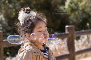 シャボン玉遊びの写真・画像素材[1261060]