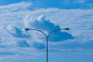 空と入道雲のコントラストの写真・画像素材[1316249]