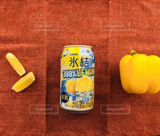 氷結300%レモンとイエローサマーの写真・画像素材[1324192]