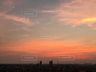 空,夕日,綺麗,夕焼け,夕暮れ,幻想的,オレンジ,月,名古屋市