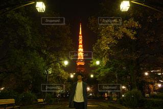 男性,東京タワー,夜景,東京,服装,チェスターコート