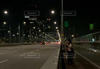 韓国🇰🇷夜の高速道路の写真・画像素材[1252064]
