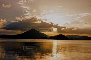 自然,風景,夕日,海辺,水面,海岸,山,景色,旅行,リゾート