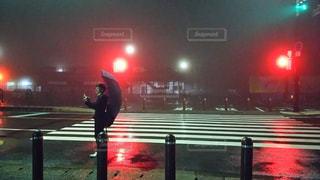 夜,雨,傘,横断歩道,Snapmart,梅雨