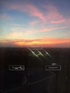 夕暮れ時の都市の景色の写真・画像素材[1310203]