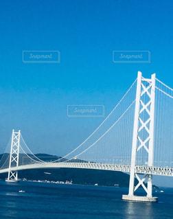 海の上の大きな橋の写真・画像素材[1356537]