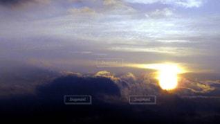 風景,空,屋外,太陽,雲,綺麗,夕焼け,夕暮れ,景色,オレンジ,夕景,sunset,ひきこまれる