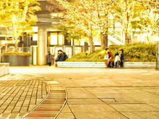 広場で休憩の写真・画像素材[2953892]