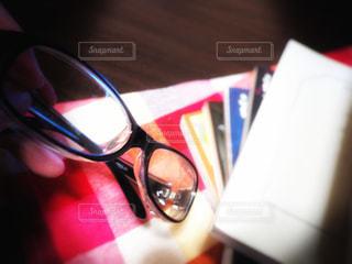 読書と眼鏡の写真・画像素材[3107576]