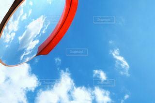 空と雲と反射鏡の写真・画像素材[3246868]