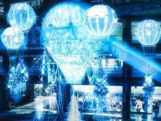 風景,屋内,大阪,幻想的,気球,観光地,アート,景色,ライト,光,観光,背景,イルミネーション,キラキラ,クリスマス,日本,オブジェ,Snapmart,明るい,施設,印象的,クール,電飾,壁紙,ショッピングモール,願い,飾り,希望,輝き,ライティング,チラシ,ちらし,ブログ,グランフロント大阪,インスタ映え,PR,シャンパンゴールド,クリスマス ツリー,グランフロントクリスマス