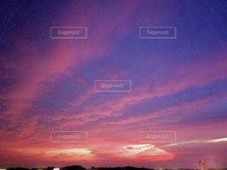 空,夏,夕日,雲,夕焼け,夕暮れ,紫,幻想的,グラデーション