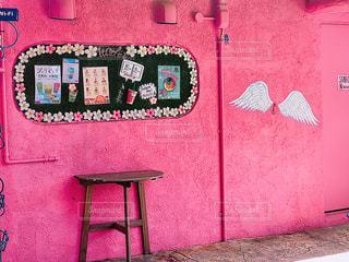 建物,ピンク,沖縄,壁,羽,天使,北谷,おしゃれ,フォトジェニック,インスタ映え