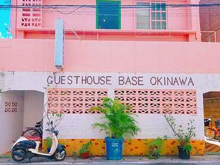 建物,街並み,ピンク,カラフル,沖縄,鮮やか,塗装,フォトジェニック,インスタ映え