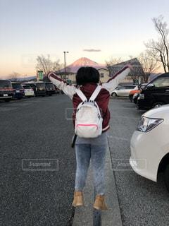 富士山,屋外,後ろ姿,ジャンプ,女の子,旅行,小学生,11歳