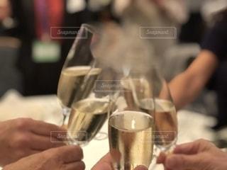 記念パーティーでの乾杯の写真・画像素材[2615808]