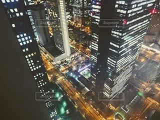 超高層ビルから下を見るの写真・画像素材[2719258]