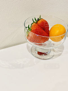 イチゴと金柑の写真・画像素材[1804601]