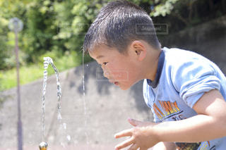 水も滴るナントヤラの写真・画像素材[1281696]