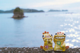海辺のふたりの写真・画像素材[1388834]
