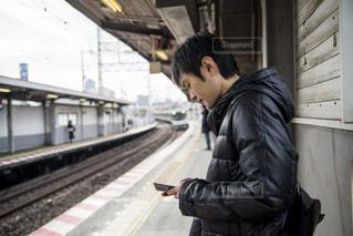電車を待つ君の写真・画像素材[1699959]