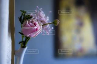 花のある暮らしの写真・画像素材[2168617]