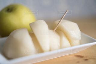 デザートに梨の写真・画像素材[3825480]