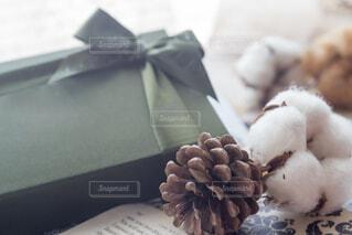 ラッピングしたクリスマスプレゼントの写真・画像素材[3966254]